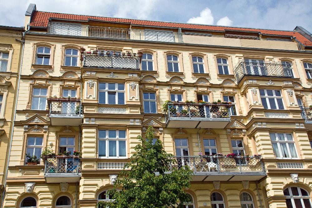 mehrfamilienh user zum kauf in berlin. Black Bedroom Furniture Sets. Home Design Ideas
