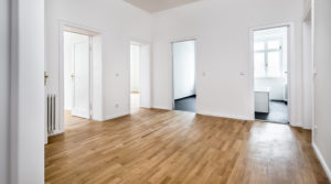 Modernisierte 3-Zimmer-Wohnung am Strausberger Platz – Bezugsfrei!