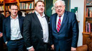 Open Gate: Carsten Heinrich im Gespräch mit John C. Kornblum