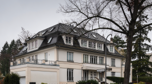 Erstklassige 5-Zimmer-Garten-Maisonette in Stadtvilla am Fischtalpark in Berlin-Zehlendorf