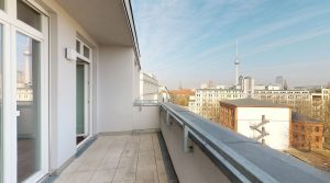 Two-bedroom penthouse with impressive view over the Köllnischer Park to the TV Tower