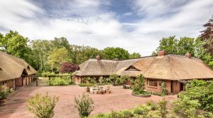 Historic country estate with horse stables at the gates of Berlin