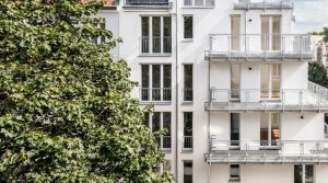 Просторная трехкомнатная квартира с балконом в готовой новостройке